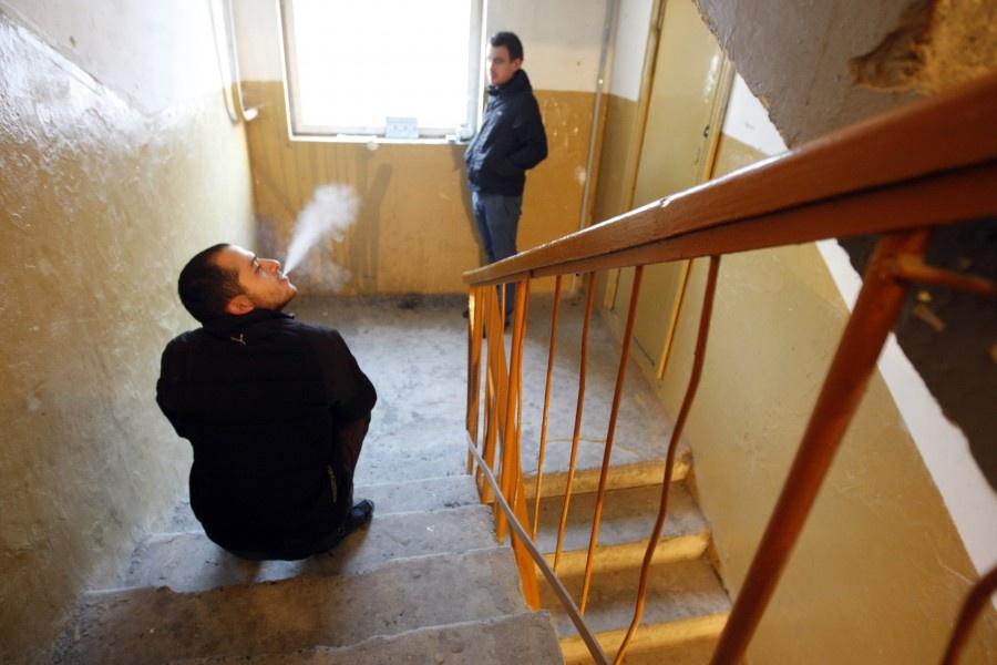 Курение на лестничной площадке запрещено