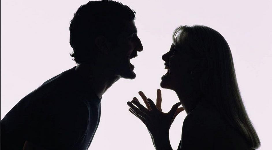 Штраф можно получить и за оскорбления во время семейной ссоры