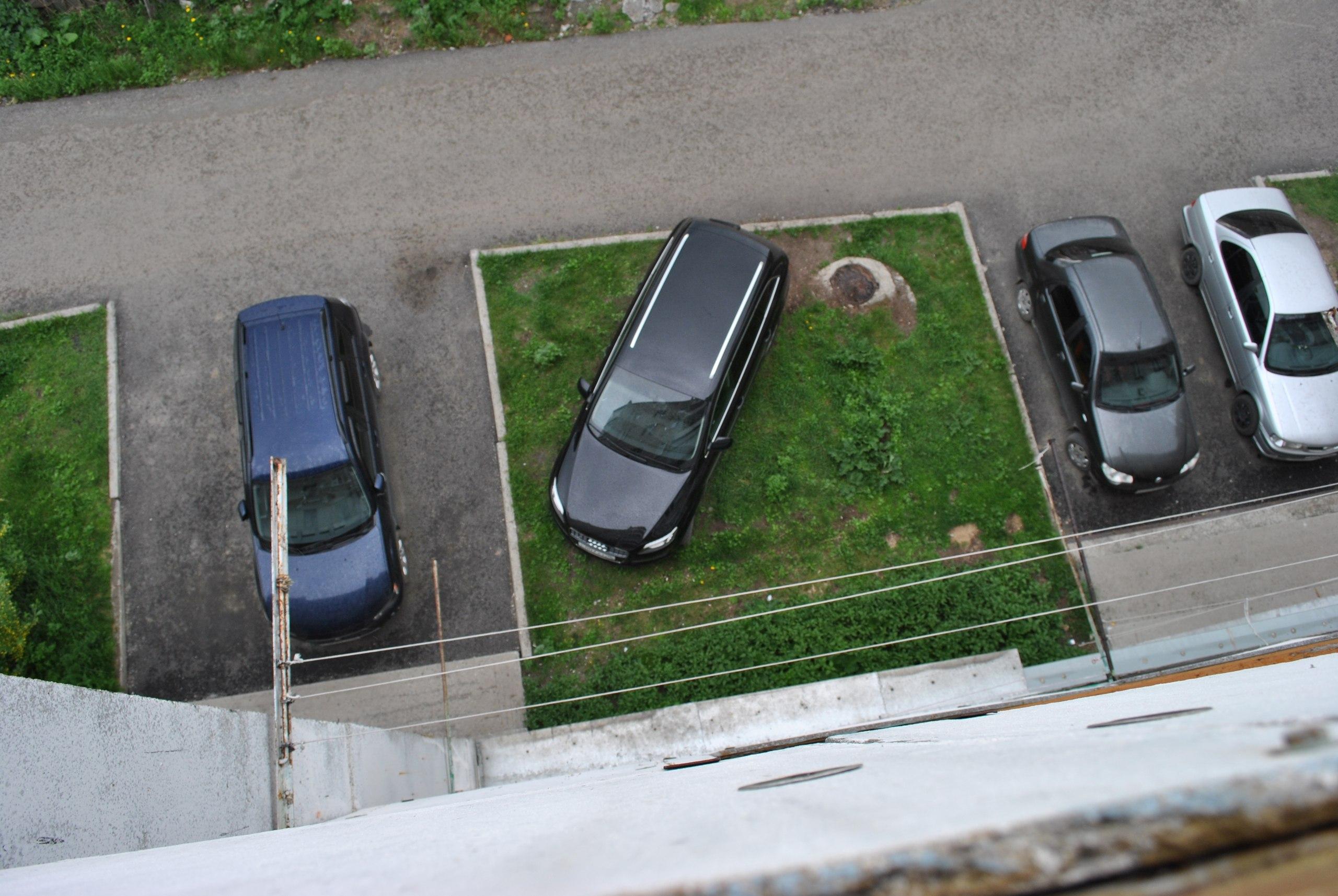 Неправильная парковка в 2018 году — куда жаловаться, фото в ГИБДД, сервис, штраф, во дворе, приложение, КоАП 89