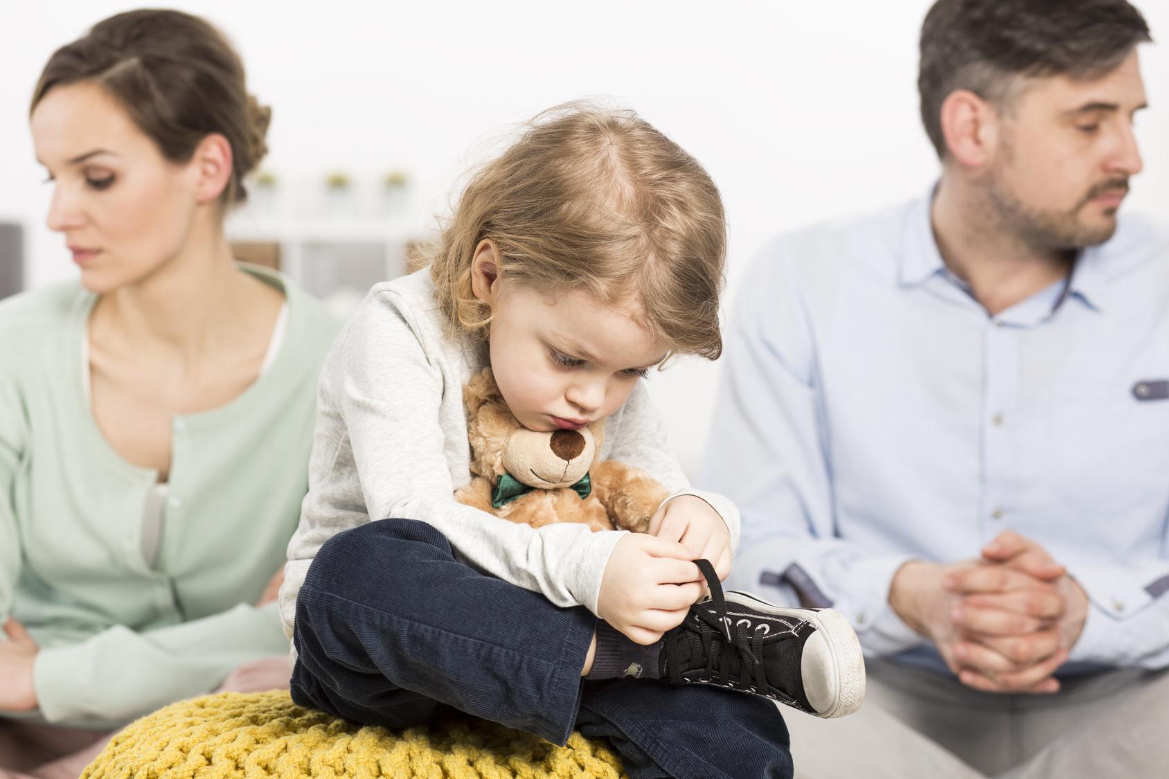 Как осуществлять опеку над ребенком после развода