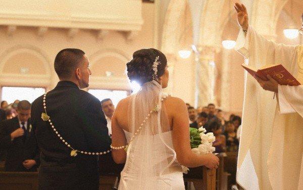 Как развенчаться в церкви после развода: когда можно, в одностороннем порядке