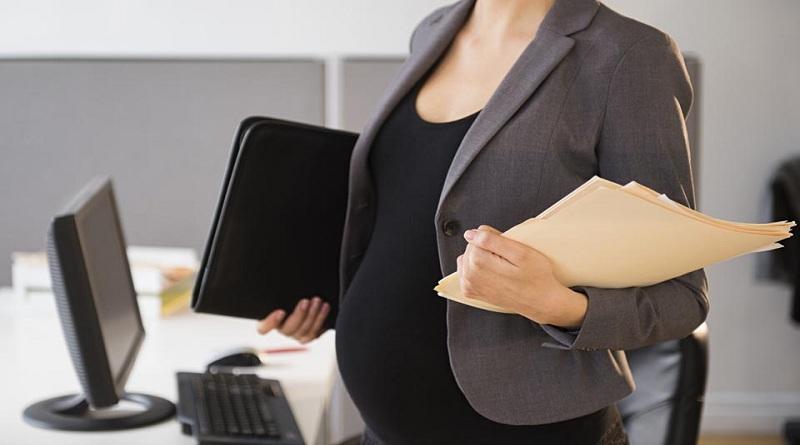 Какие положены выплаты при увольнении в декрете