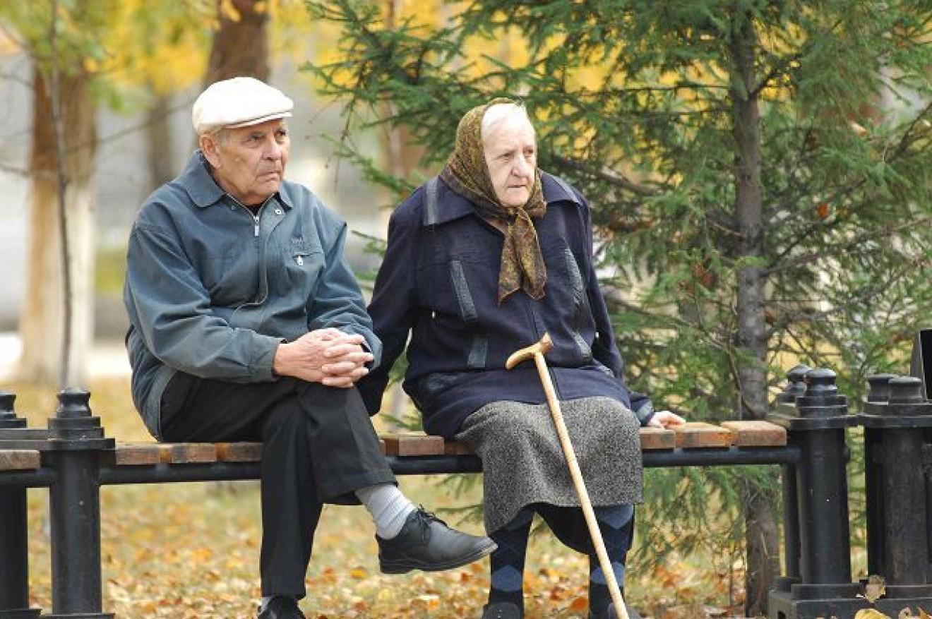 Алименты на родителей пенсионеров от детей: размер выплат, взыскания, судебная практика