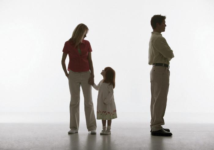 Какие права имеет ребнок рожденный в гражданском браке и его биологический отец