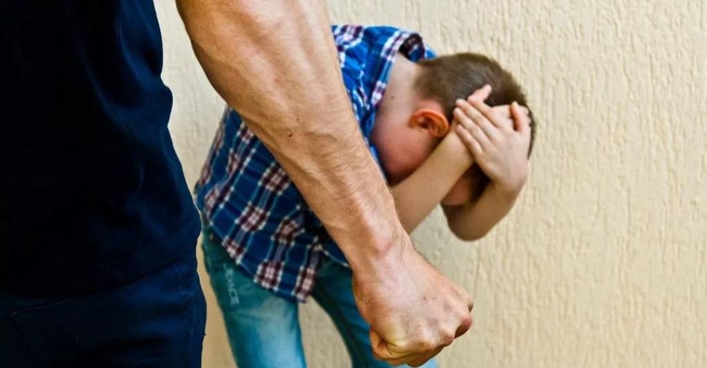 Изображение - Исковое заявление о лишении отцовства 2-zhestokoe-obrashchenie-s-rebenkom