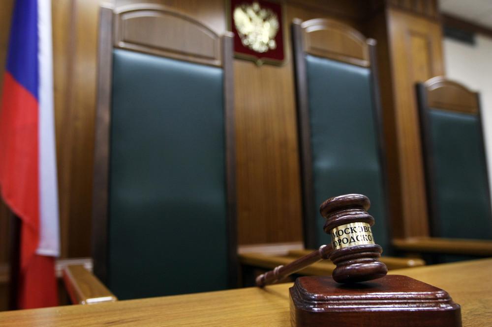 В какие банки судебные приставы отправляют запросы