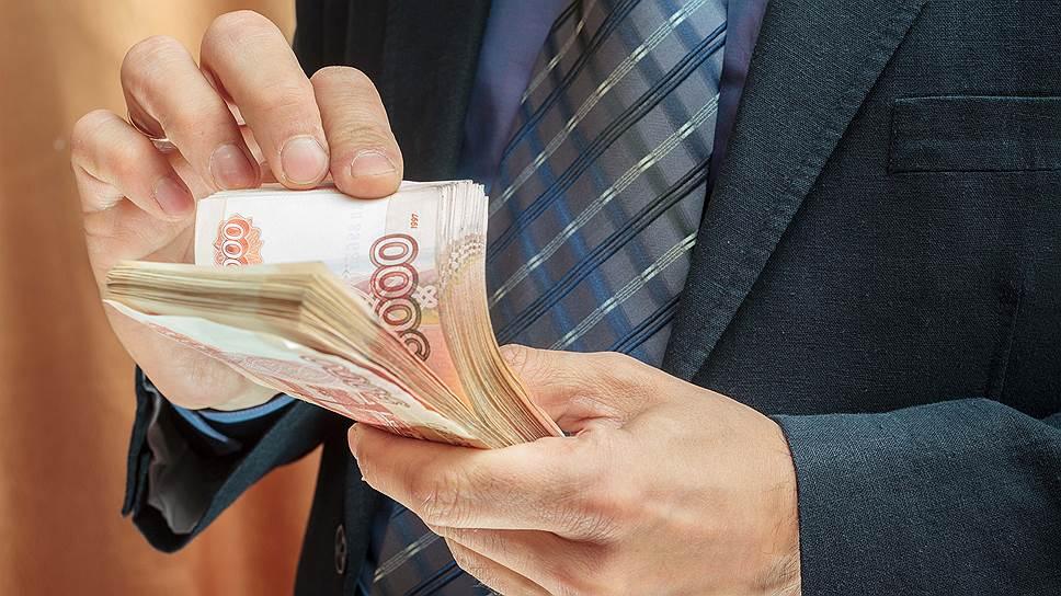 Какие банки снимают долг приставам