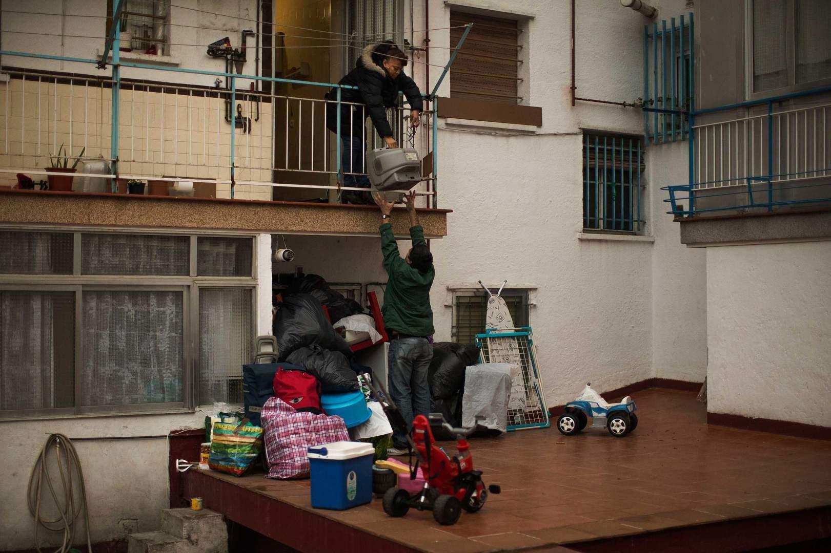 Выселение из квартиры смешные картинки