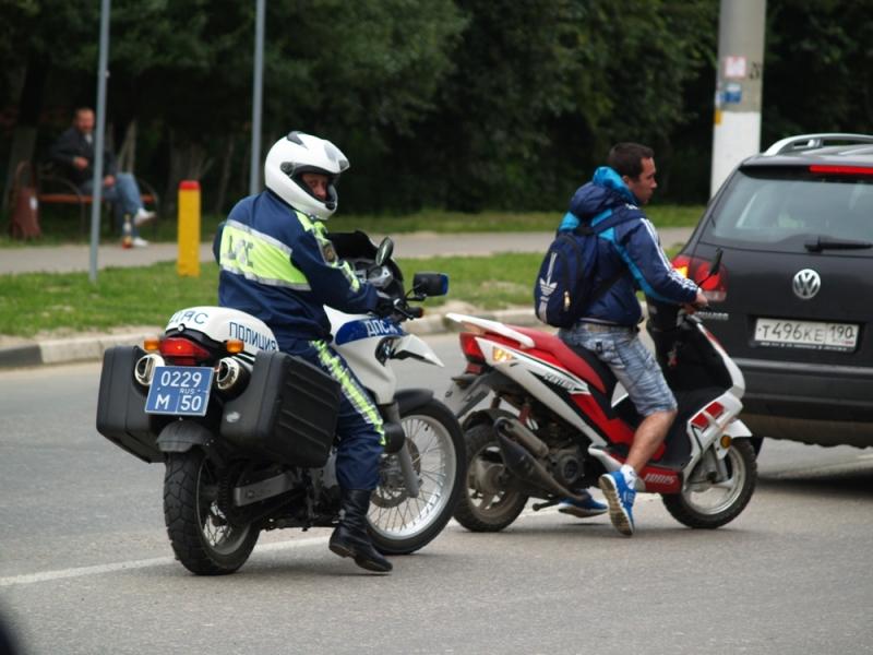 Во сколько лет можно кататься на скутере